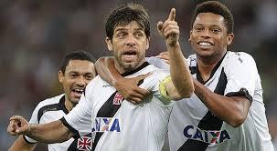 Juninho Pernambucano marca o primeiro gol do Novo Maracanã