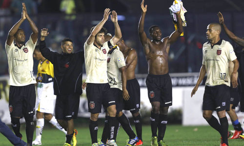 Vasco vence o Criciúma por 3 x 2